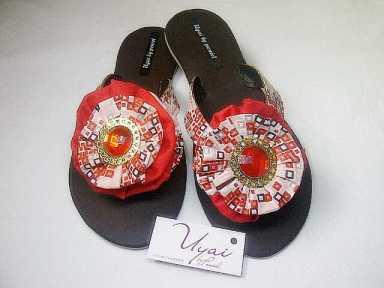 Uyai by Peniel slippers